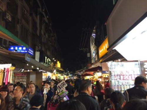 台北の士林夜市の人混み2