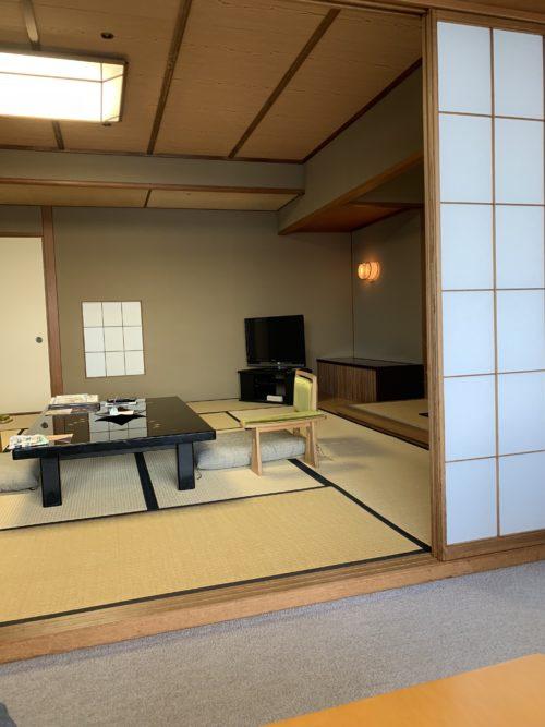 有名な老舗の宿「和倉温泉 加賀谷」の部屋や温泉・食事など1