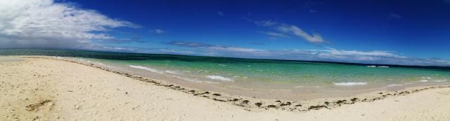 アイランドホッピング中に訪れたパンダノン島のビーチ2