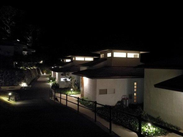 ネストアット奄美のアウトドアバス&部屋などを写真・動画で紹介4