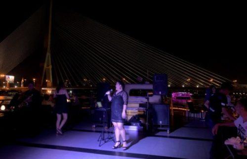チャオプラヤ川のナイトクルーズ「プリンセス」でバンコクの夜を楽しもう2