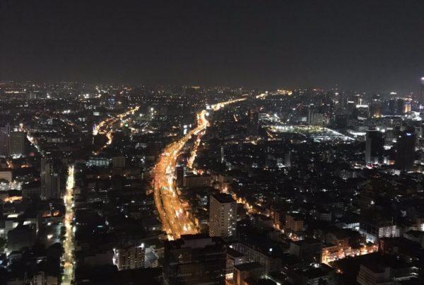 バンコクのホテル「ルブア」のルーフトップバーで夜景を満喫しよう2