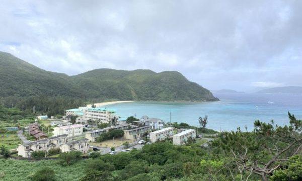 シュノーケリングでウミガメに会える渡嘉敷島にある「とかしくビーチ」