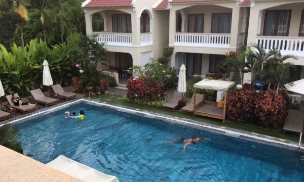 ホイアンのおすすめホテル「VIllage Lodg」のプール2