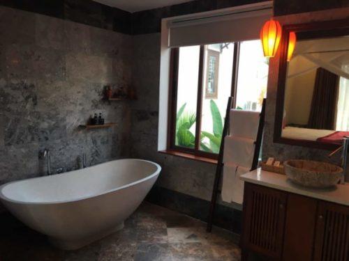 ホイアンのおすすめホテル「Village Lodge」のジュニアスイートルーム3