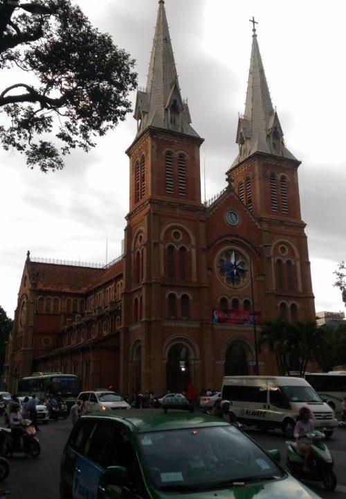ベトナムのノートルダム「サイゴン大聖堂」!改修工事はいつまで?3