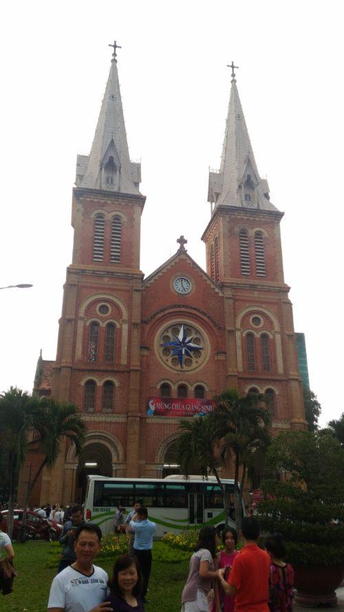 ベトナムのノートルダム「サイゴン大聖堂」!改修工事はいつまで?1