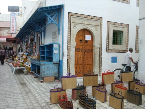 チュニジアのおすすめお土産10選!首都チュニスで買うべき雑貨やお菓子など!8