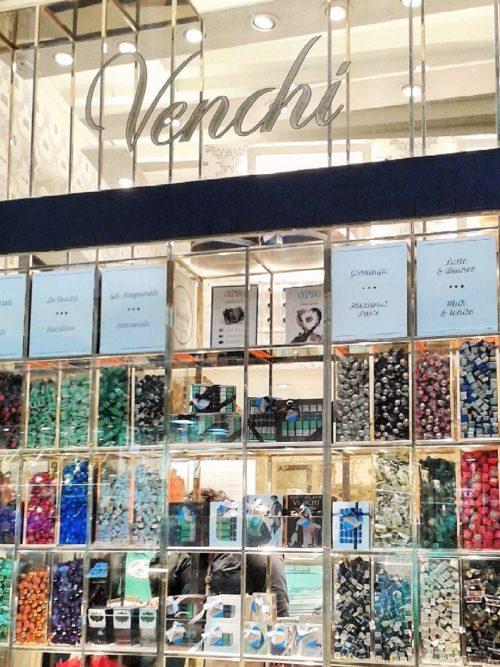 イタリア・ヴェネチアのお土産10選の1つ「ヴェンキのヴェネチア柄チョコレート」!女性にも男性にも喜ばれる!