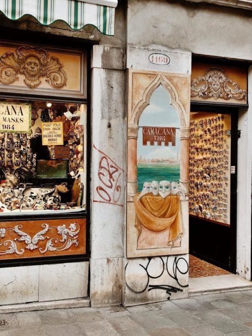 イタリア・ヴェネチアのお土産10選の1つ「ヴェネツィアンマスク」!女性にも男性にも喜ばれる!
